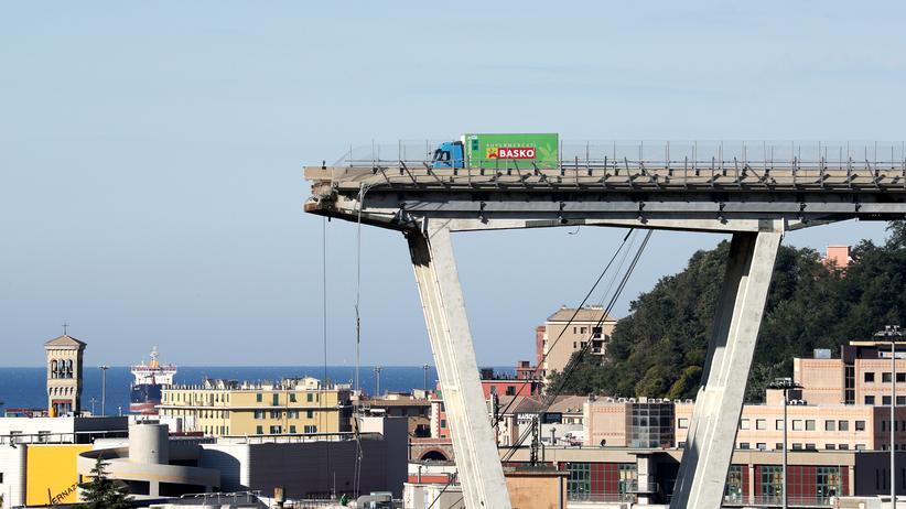 Infrastruktur in Deutschland: Die Autobahnbrücke in Genau einen Tag nach dem Einsturz