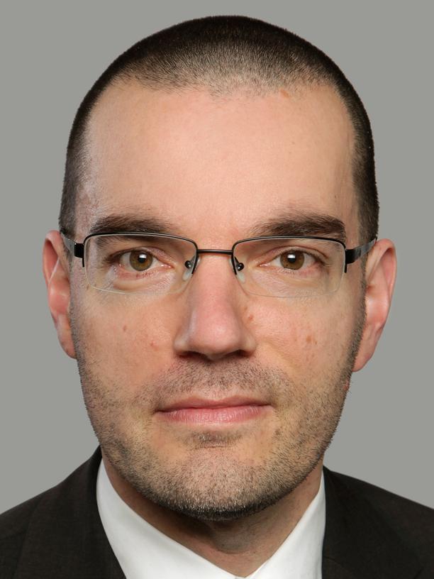 Klimaexperte Oliver Geden: Oliver Geden forscht bei der Stiftung Wissenschaft und Politik (SWP) und berät den Bundestag und die Bundesregierung in Sachen Klimapolitik. Derzeit ist er Gastwissenschaftler am Max-Planck-Institut für Meteorologie. Er wird Leitautor des sechsten IPCC-Sachstandsberichts sein, der im Jahr 2021/22 erscheinen soll.