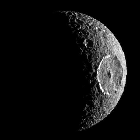 Monde: Mondhopping an den Rand des Sonnensystems