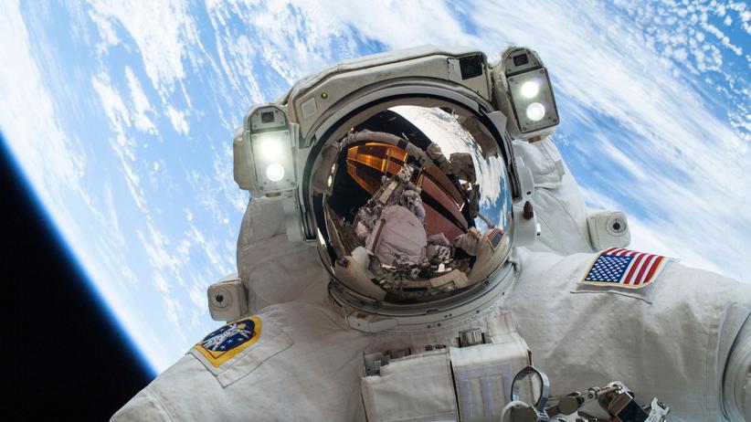 Raumfahrt: Ein Nasa-Astronaut bei einem Weltraumspaziergang