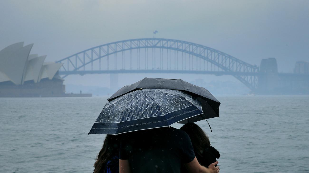 Australien: Starker Regen hilft Feuerwehr in Brandgebieten