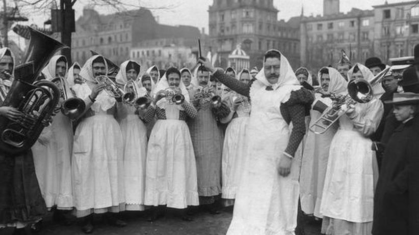 Kölle alaaf!: 1910: Auch nach Franz Raveauxs Tod lebt der Kölner Karneval weiter