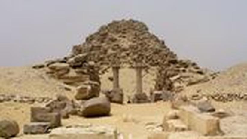 Die Pyramide des Pharaos Sahure in Abusir