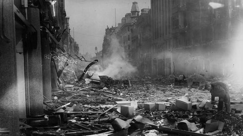 London The Blitz Osford Street Zweiter Weltkrieg Bomben