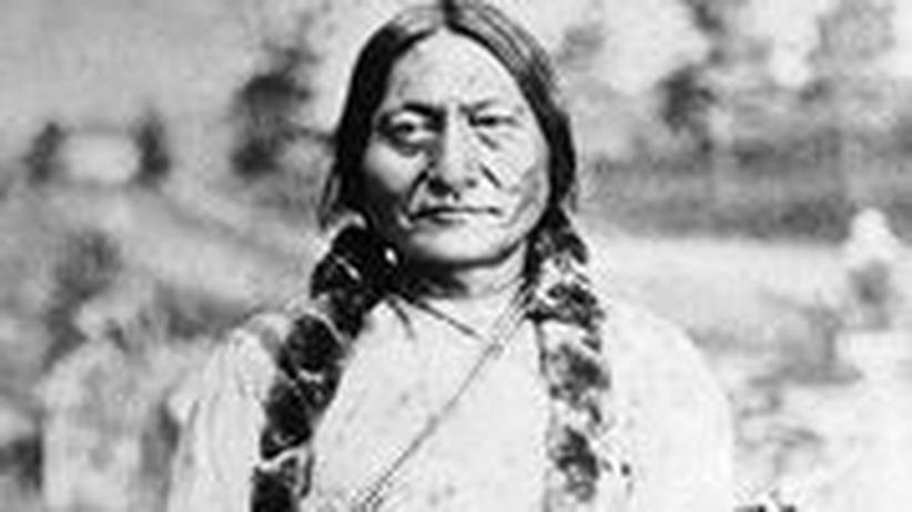 Die Aufnahme zeigt den Indianerführer Sitting Bull im Jahr 1881