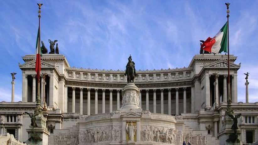"""Die """"Schreibmaschine"""": Roms Nationaldenkmal von 1911 huldigt König Viktor Emanuel und der Einheit des Vaterlandes"""