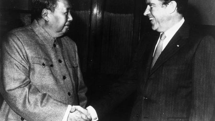 Diplomatie: Mit Ping-Pong zum Handschlag zwischen Mao und Nixon
