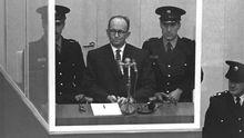 Im Glaskasten: Adolf Eichmann als Angeklagter in Jerusalem am 5. April 1961