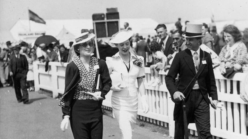 Tradition von Ascot: Pferde, Adel und verrückte Hüte