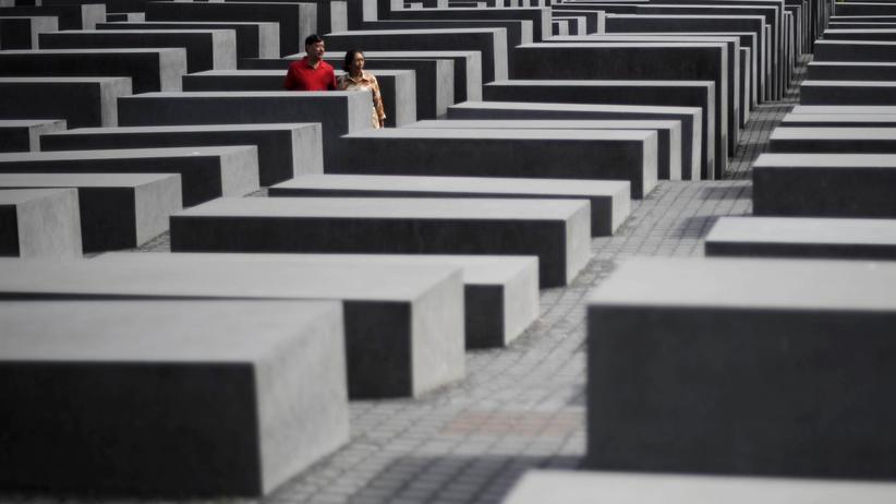 Historikerstreit: Der Versuch den Holocaust zu entdramatisieren