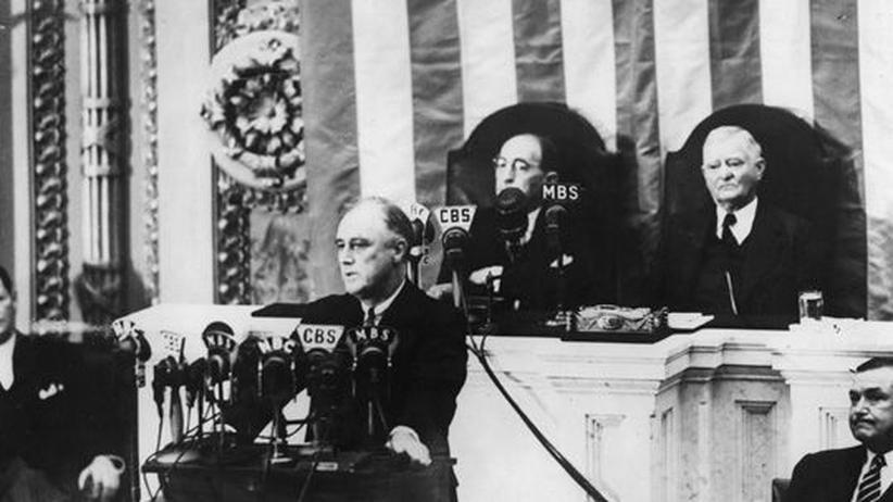 Zweiter Weltkrieg: US-Präsident Franklin D. Roosevelt appelliert an den Kongress, den Neutralitätspakt außer Kraft zu setzen.