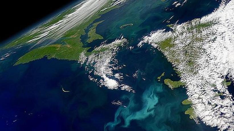 Dort wo 1999 im Atlantik vor Neufundland Algenblüten sichtbar waren lag vor 18.000 Jahren noch Packeis. Gelangten die ersten Europäer darauf nach Amerika?