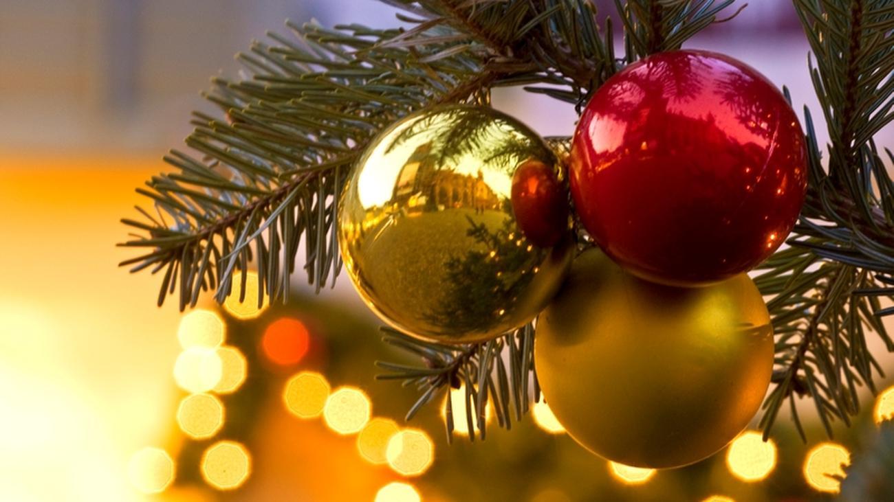 Ursprung Weihnachtsbaum.Kulturgeschichte Der Erste Weihnachtsbaum Stand Im Zunfthaus Zeit