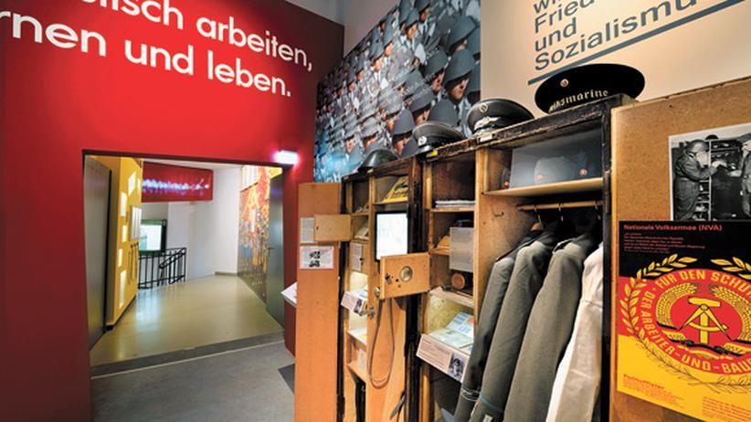 """Dauerausstellung in der Kulturbrauerei: """"Ein Kessel Buntes"""" im DDR-Museum"""