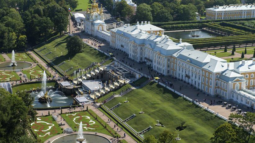 Zweiter Weltkrieg: Der Peterhof von oben fotografiert
