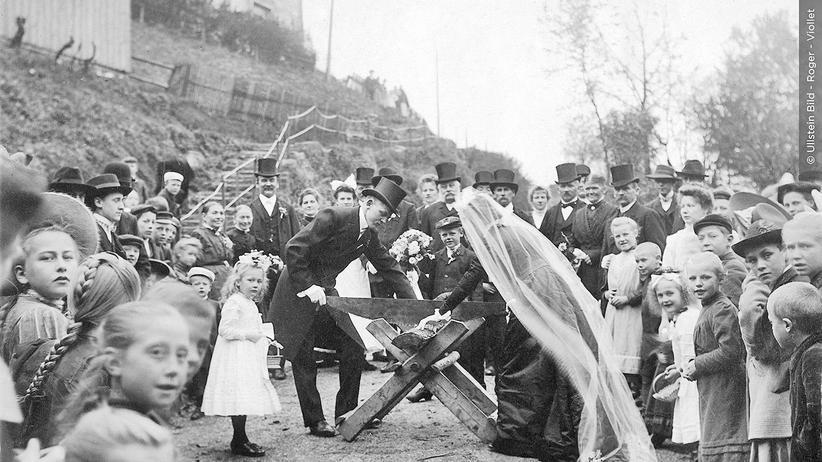 1914 Tag für Tag: Dralle Jugendliche für 6 Mark, Ältere für 29 Pfennig