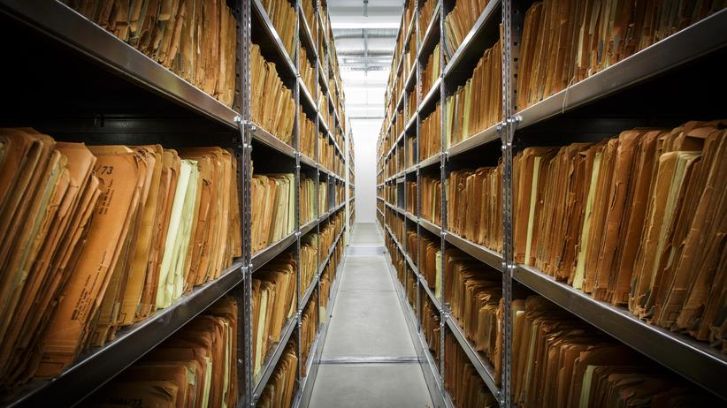 Stasi-Akten: Die untote Stasi