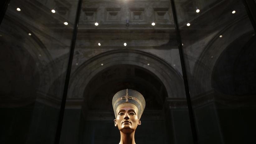 Nofretete: Wand an Wand mit Tutanchamun