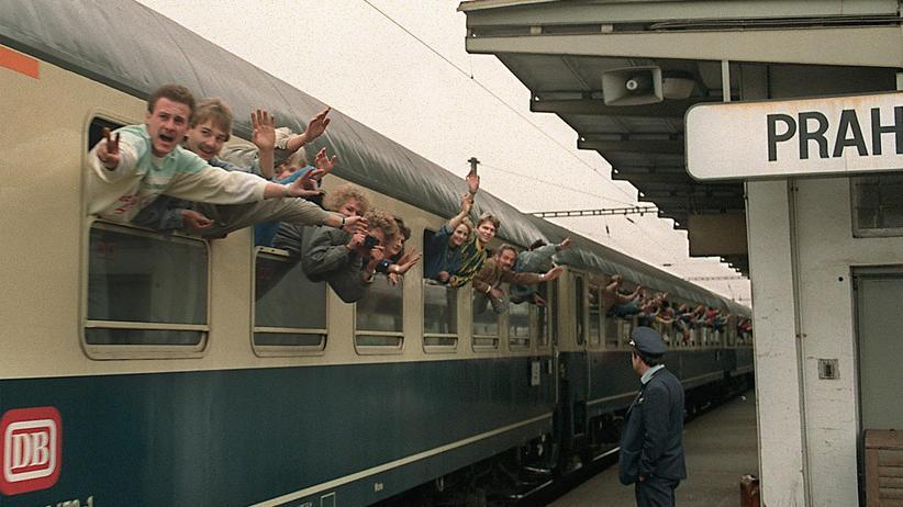 DDR: Zum Jubeltag ein Jammerbild