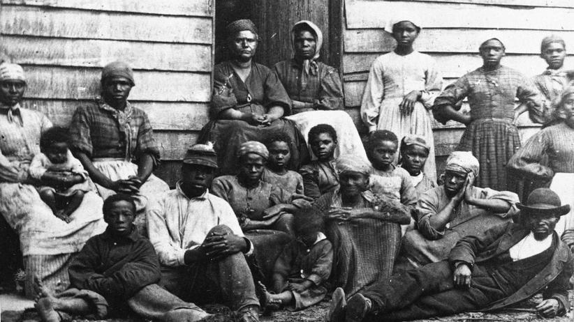 Sklaverei: Sklaven nach ihrer Befreiung in Virginia, mitte der 1860er Jahre.