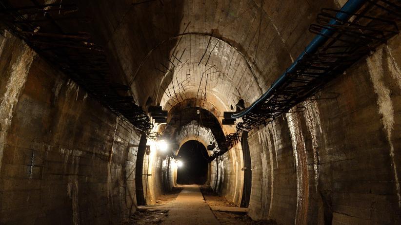 Goldzug: In Waldenburg verlaufen tatsächlich unterirdische Tunnel aus der NS-Zeit, doch ist hier auch ein Zug voll Gold versteckt?