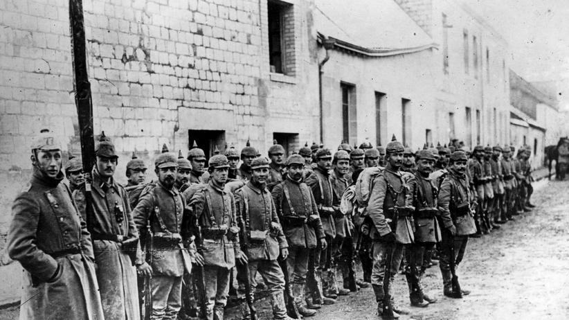 Verdun: Mai 1916: Deutsche Soldaten in der Nähe von Verdun. Es ist eine harmlose Szene aus der langen und blutigen Schlacht.