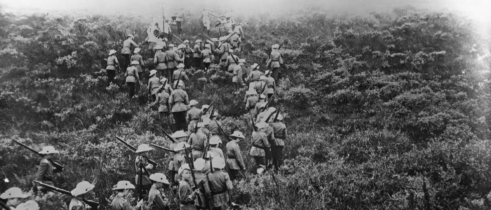 Erster Weltkrieg Jugend Deutschland Pfadfinder Gewehre