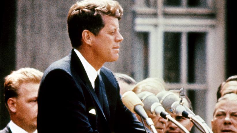 John F. Kennedy: Kennedy war jung, braungebrannt, gutaussehend und krank. Letzteres wussten während seines Wahlkampfs nur wenige.