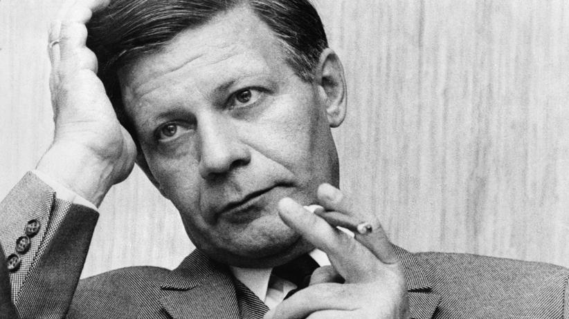 Helmut Schmidt: Der Mann in Hut und Mantel