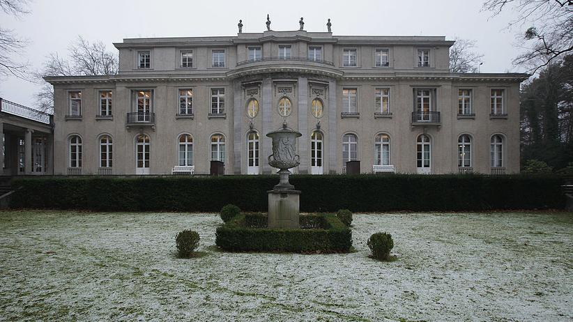 Wannsee-Konferenz: Die Villa Marlier, in der sich 15 hohe Beamte, Staatssekretäre und SS-Funktionäre am 20. Januar 1942 für die Wannsee-Konferenz trafen.