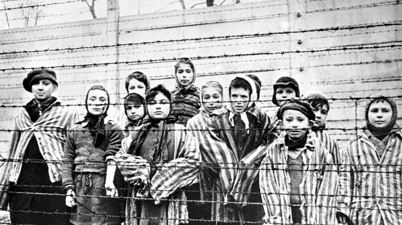 Holocaust: 27. Januar 1945: Gerade hat die Rote Armee das Vernichtungslager Auschwitz befreit. Diese Kinder haben überlebt.
