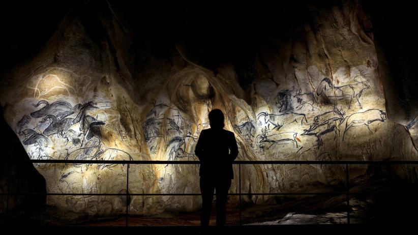 Höhlenmalerei: Vor über 30.000 Jahren zeichneten Kreative Bären, Pferde und Mammuts in den Höhlen von Chauvet, Südfrankreich.