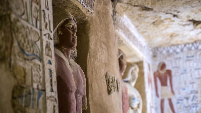 Grab des Wahtye: Imposant, reich geschmückt und farbenfroh