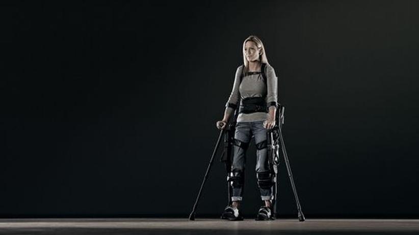 Rehabilitation: Gelähmte sollen mit Roboterskelett wieder Schritte machen