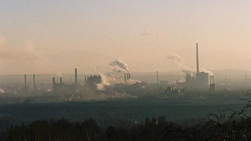 Luftverschmutzung: Fabriken in Ostrava in der Tschechischen Republik (Archiv)