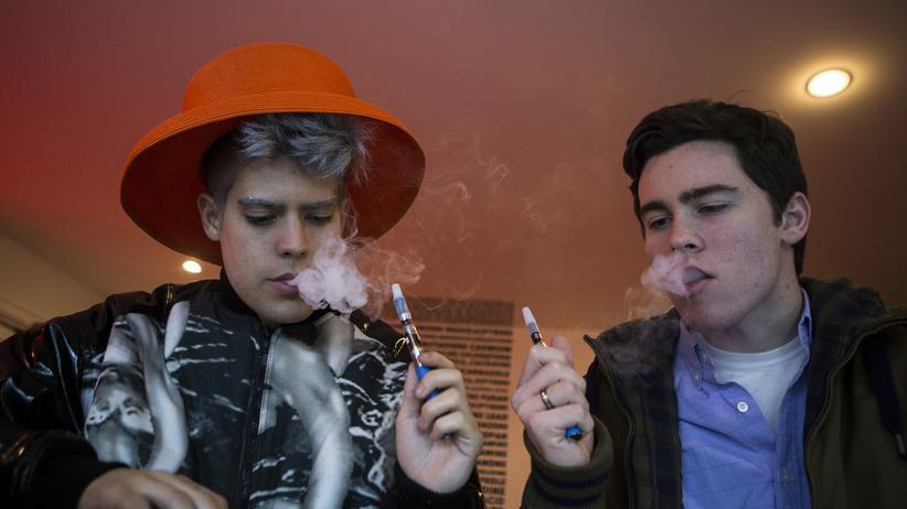 Rauchen: E-Zigaretten gibt es in mehr als 90 Geschmacksrichtungen.