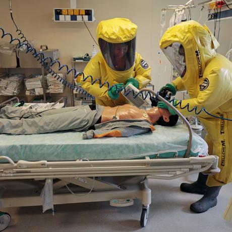 Ebola : Patrouillieren, isolieren, desinfizieren