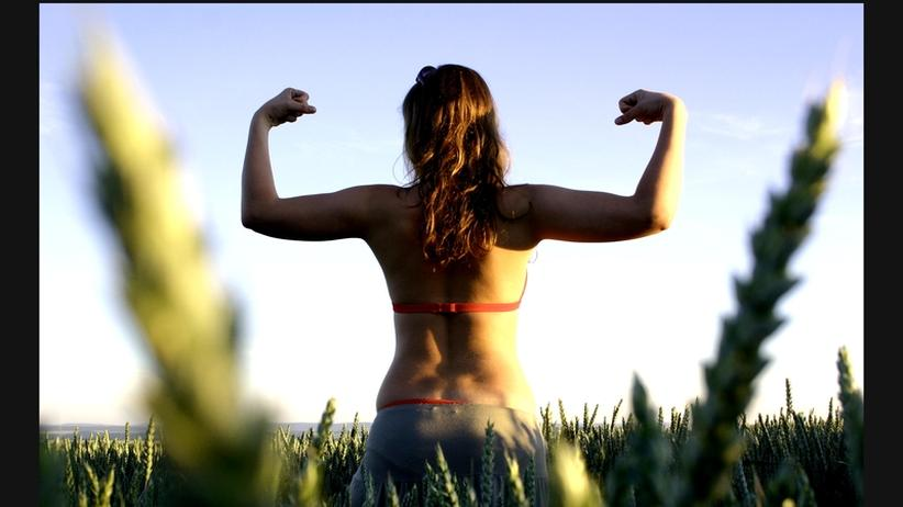 Körper: Bauch rein, Brust raus, gute Laune!