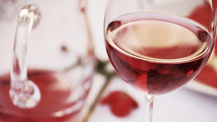 Forschungsergebnisse: Rotwein fördert Krebs und hilft dagegen