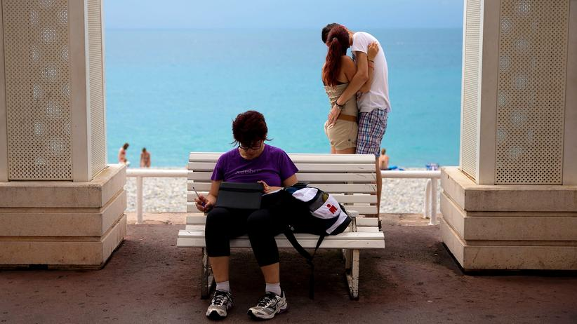 Flibanserin: Küssendes Paar in Nizza