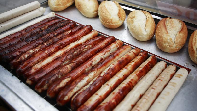 Krebsrisiko: Je mehr Würstchen und Fleischprodukte man isst, desto höher ist das Risiko an Krebs zu erkranken.