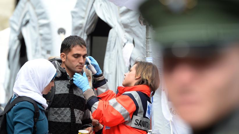 """Medizin: """"Von Flüchtlingen geht keine Gefahr durch Infektionskrankheiten aus"""""""