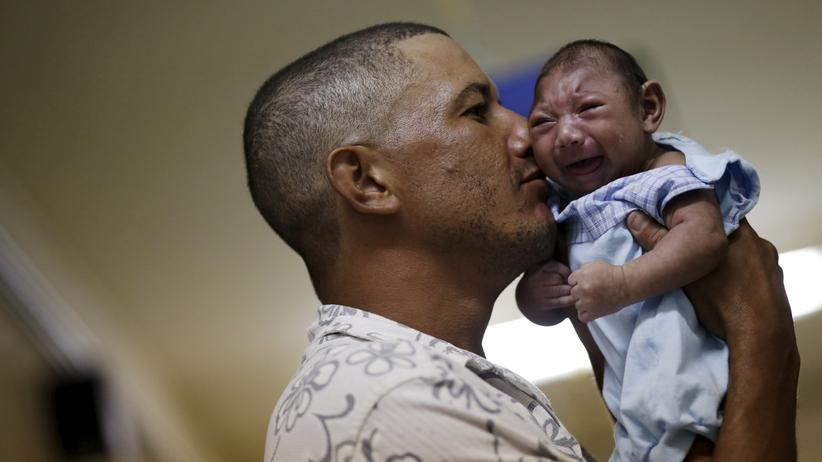 """Zika-Virus: """"Frauen müssen sich rund um die Uhr schützen"""""""