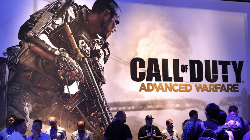 "Games: Ein Plakat bewirbt das Game ""Call of Duty"" auf einer Messe in Los Angeles."