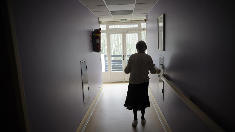 Alzheimertherapie: Ein wirksames Medikament gegen Alzheimer gibt es bislang nicht.