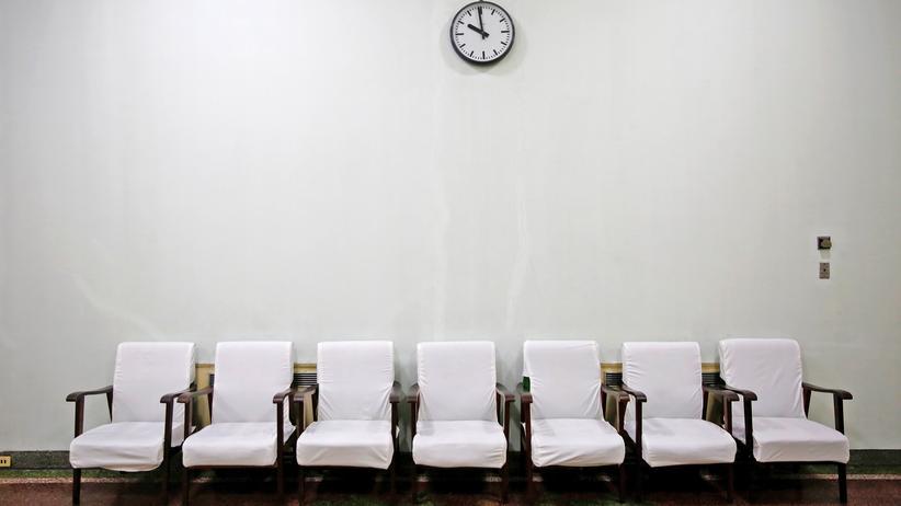 Arzt Patient Untersuchung Krankenkasse