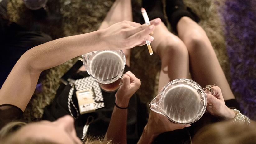 Tabakkonsum: Zahl der Krankenhausbehandlungen von Rauchern steigt stark