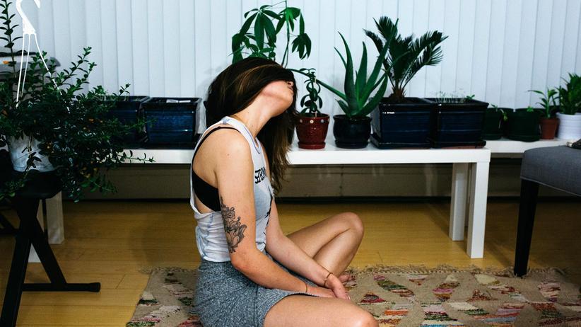Schmerzen: Rückenschmerzen halten meist länger an als ein paar Tage. Aber auch sie sind in den meisten Fällen harmlos und verschwinden nach ein paar Wochen von selbst.