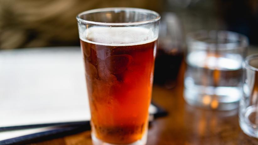 Alkoholkonsum: Alkohol schadet schon in geringsten Mengen, zeigt eine Studie.