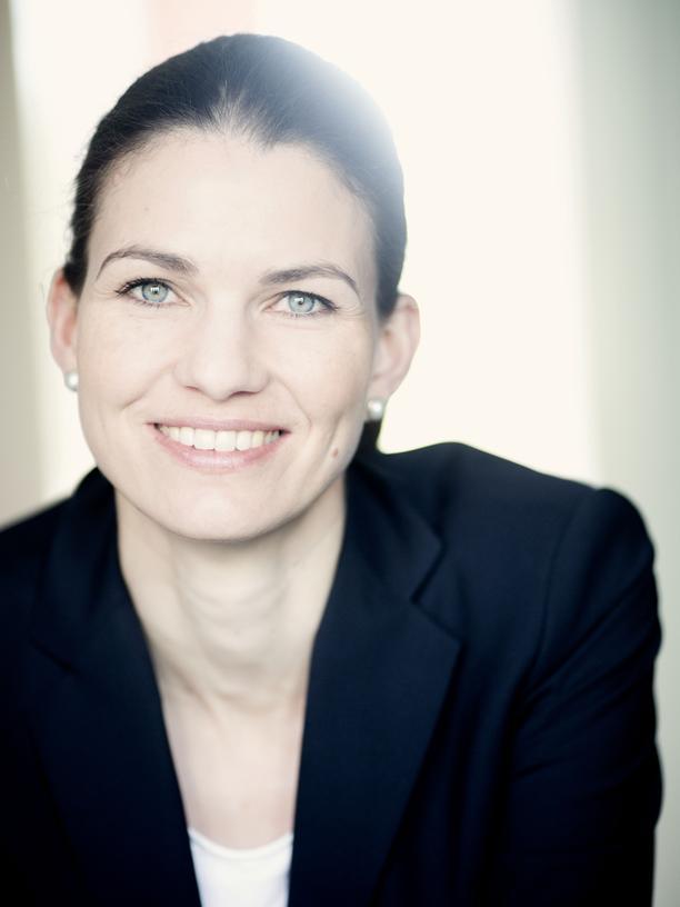Kita-Impfpflicht: Cornelia Betsch ist studierte Psychologin und forscht unter anderem zu Risikowahrnehmung und -kommunikation am Beispiel der Impfentscheidung. Seit 2017 hat sie die Heisenberg-Professur für Gesundheitskommunikation an der Universität Erfurt inne.